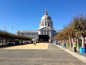 San Francisco City Hall from Civic Center Plaza (2014).