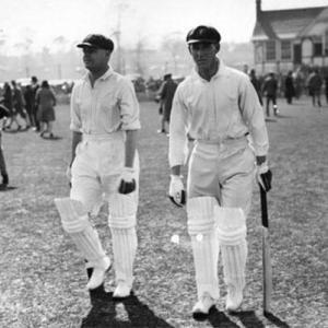 Bill Woodfull (right)