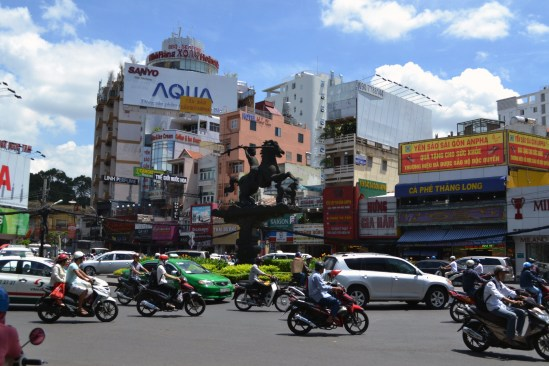 The Phu Dong Thien Vuong statue at the roundabout joining Pham Hong Thai and Le Thi Rieng.