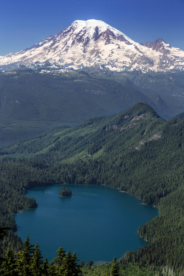 NORTH CASCADES HIKING AND PHOTO TOURS