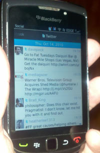 blackberry torch 9800 social feeds app os6