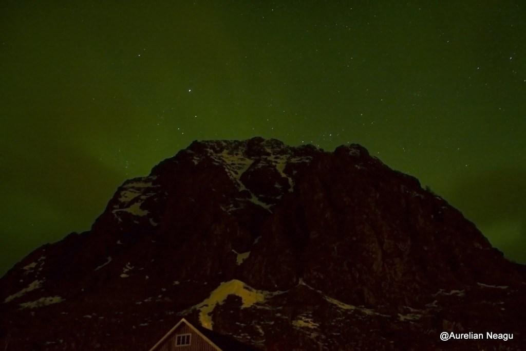 aurora boreala peste munte
