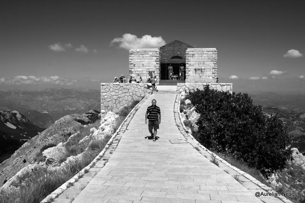 Montenegro 2100-1_njegos3