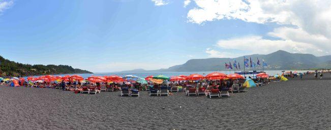 Crowded black beach