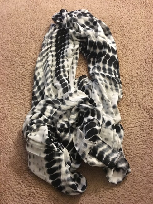 scarf open