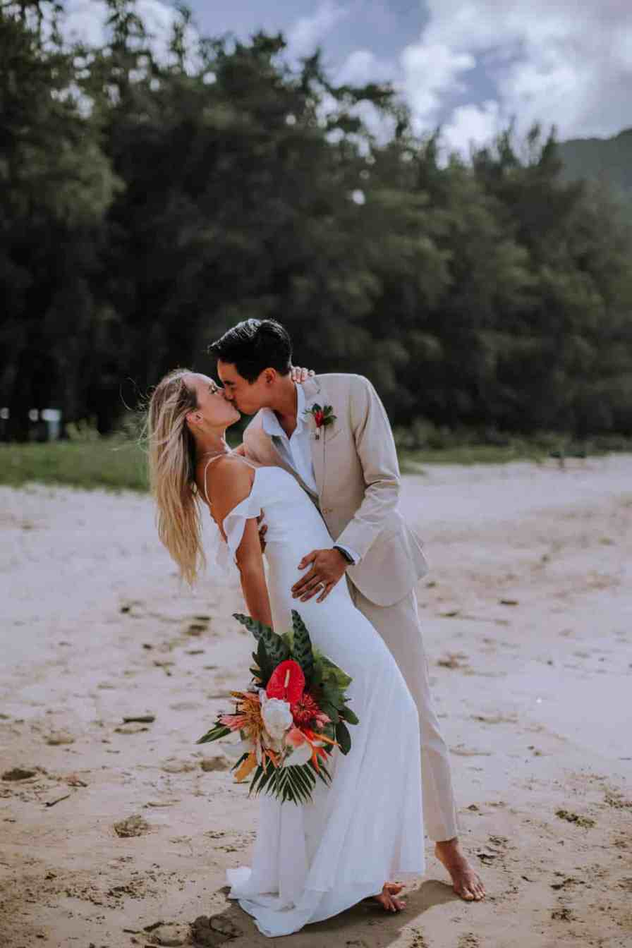 Budgeting tips for wedding/elopement by Anela Benavides, Hawaii based photographer