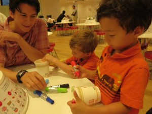 Making our own cup noodles containers in Yokohama with kids
