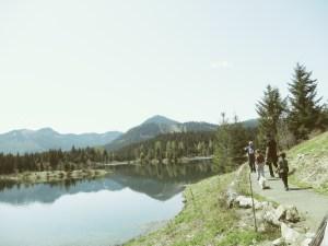 walking around gold creek pond hike