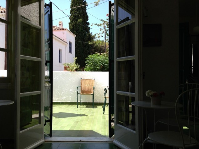 Σαλόνι και βεράντα