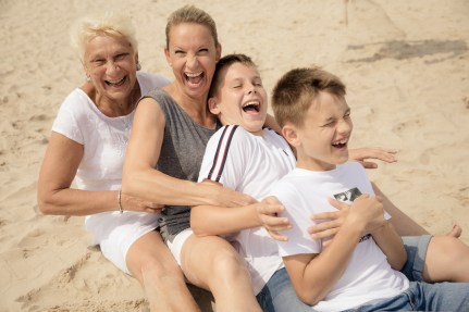 lockere-familienfotos-usedom-zinnowitz-ostsee-fotograf