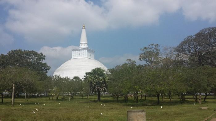 Hvid stupa5