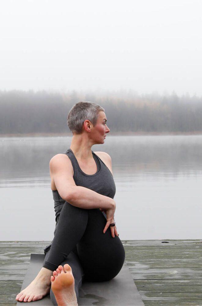 Yoga grå i grå Silkeborg