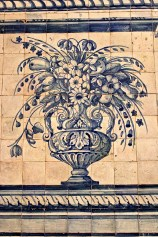 Albarradas -- vases of flowers flanked by birds, putti, or dolphins -- became popular in the 17th century.