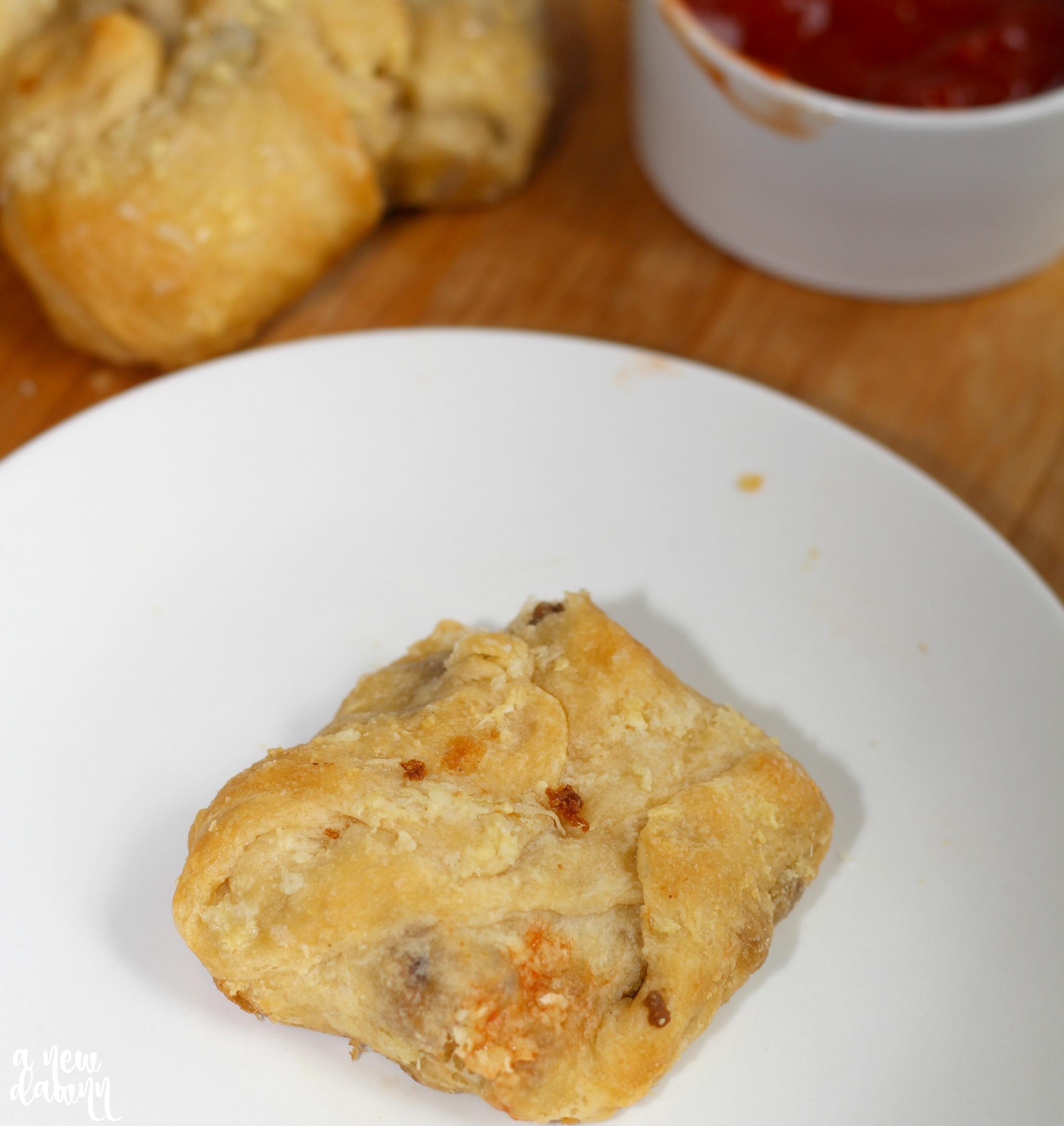 cheeseburger-garlic-knots
