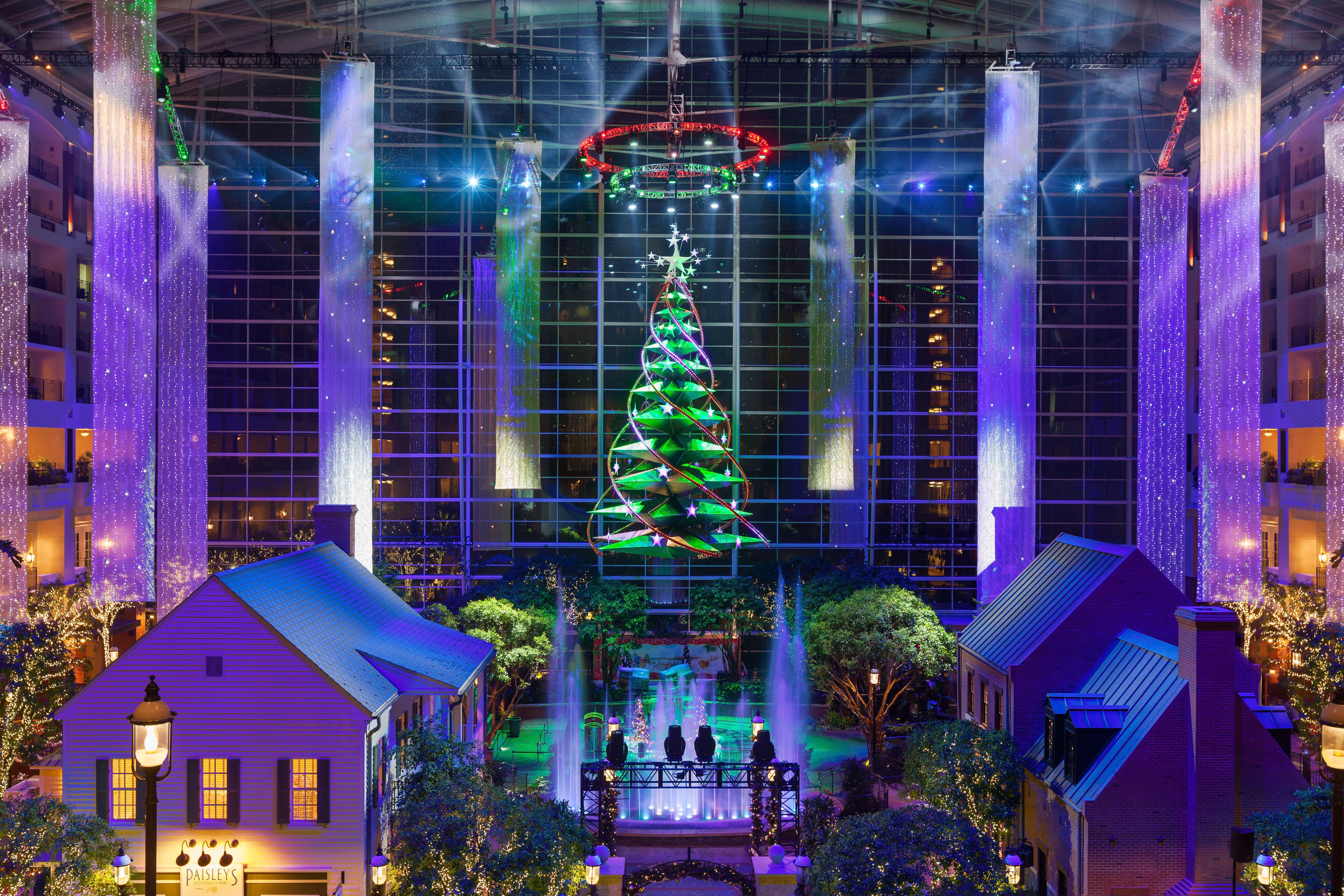 Atrium Tree Lighting Show