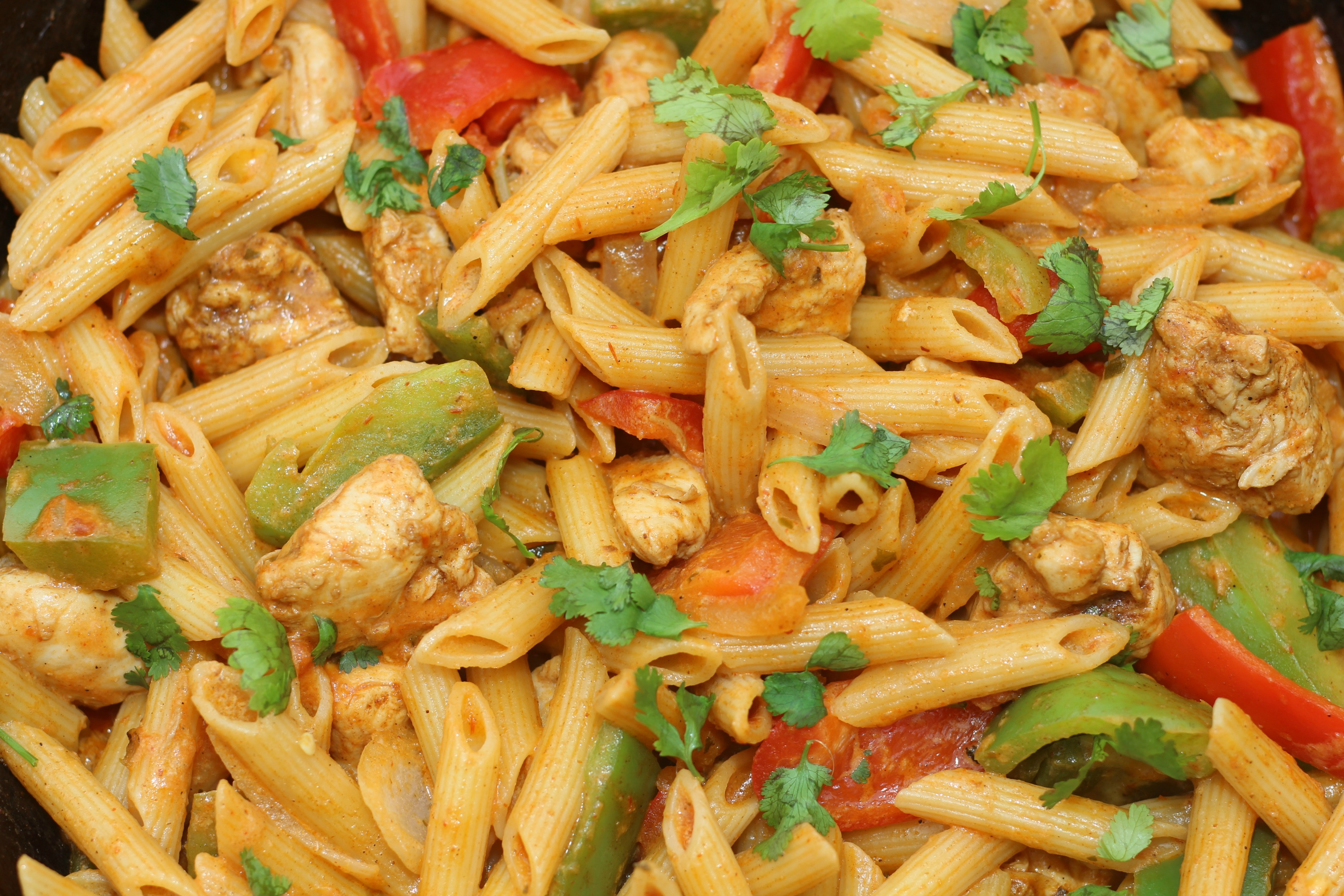 Cheesy Chicken Fajita Pasta Recipe
