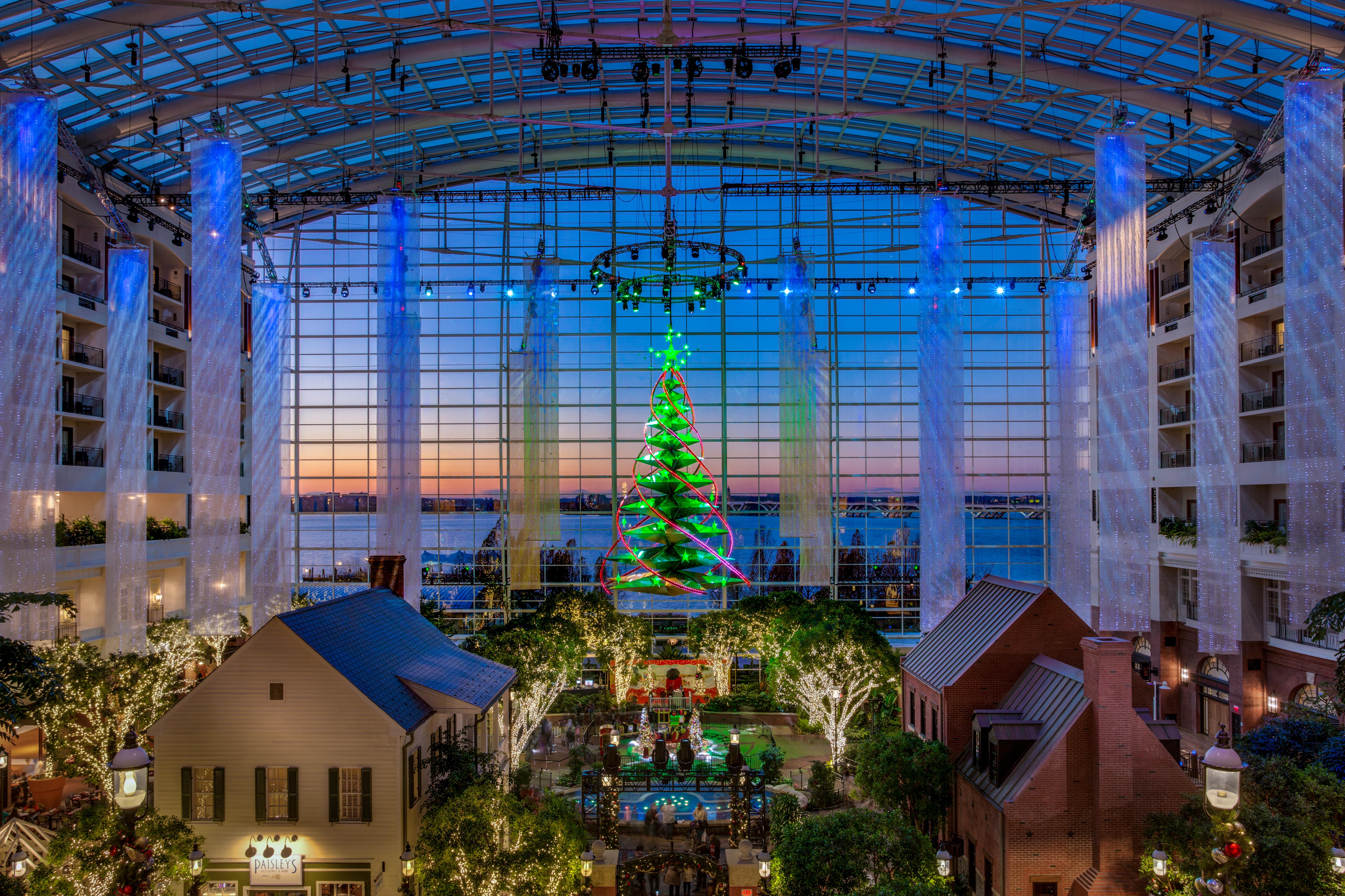 GN-Atrium-Christmas