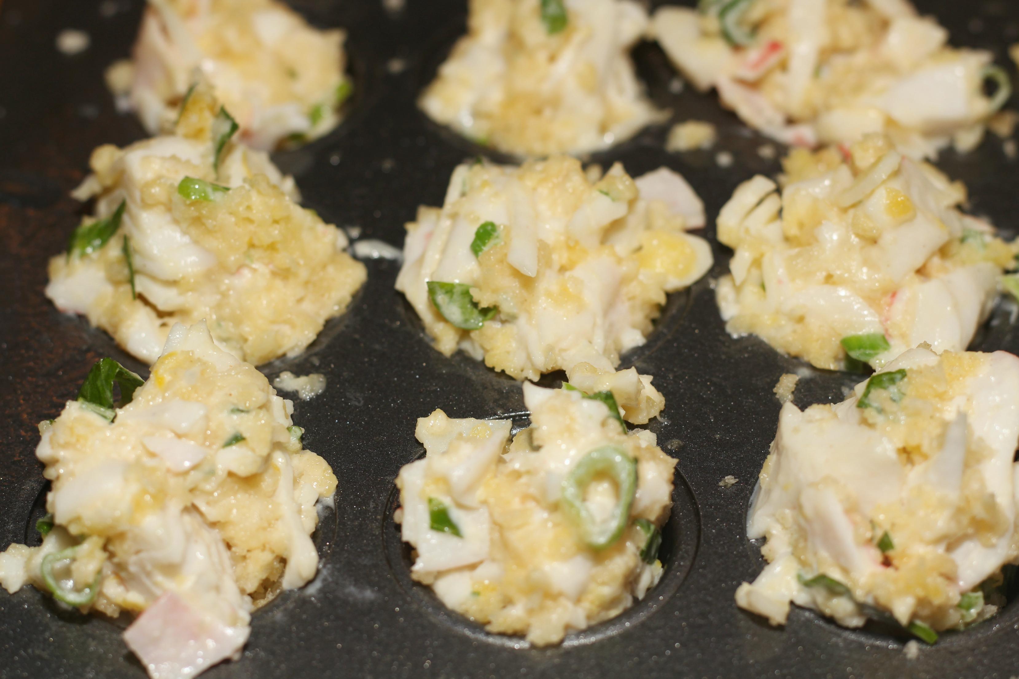 Crab Cake Bites with Sriracha Aioli
