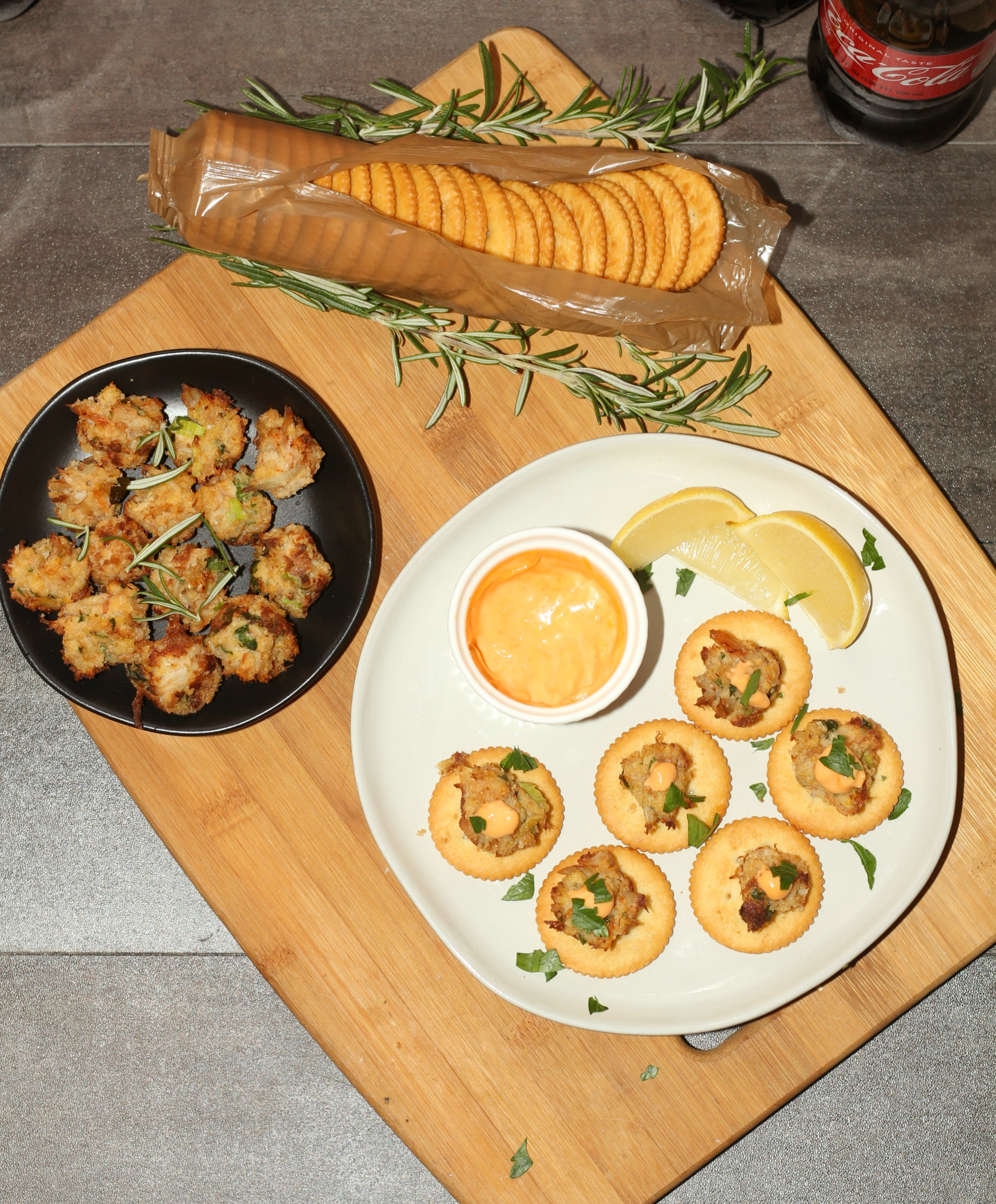 Crab Cake Bites with Sriracha Aioli