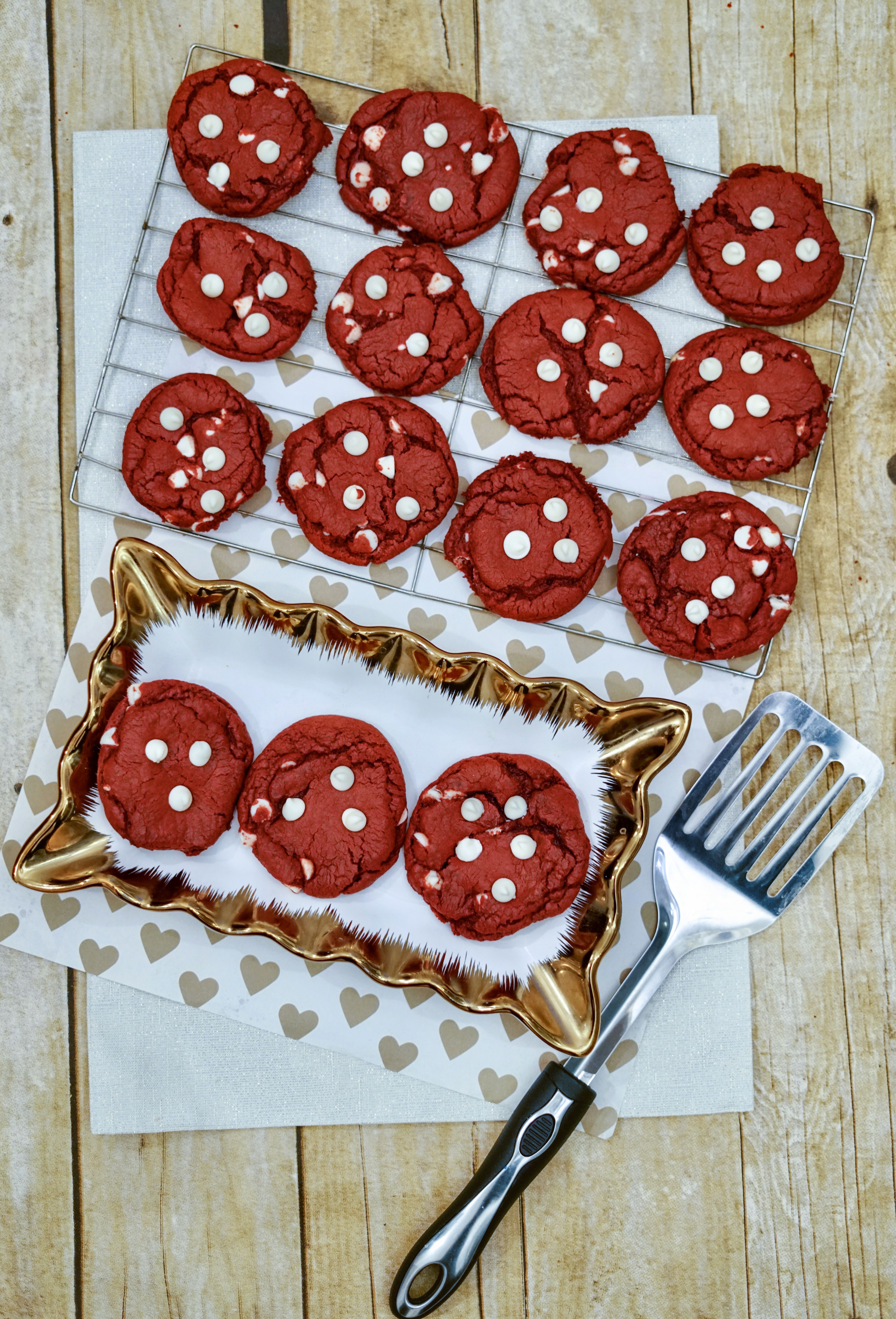 Enjoy the taste of delicious Red Velvet Cake in a yummy cookie with this easy recipe.