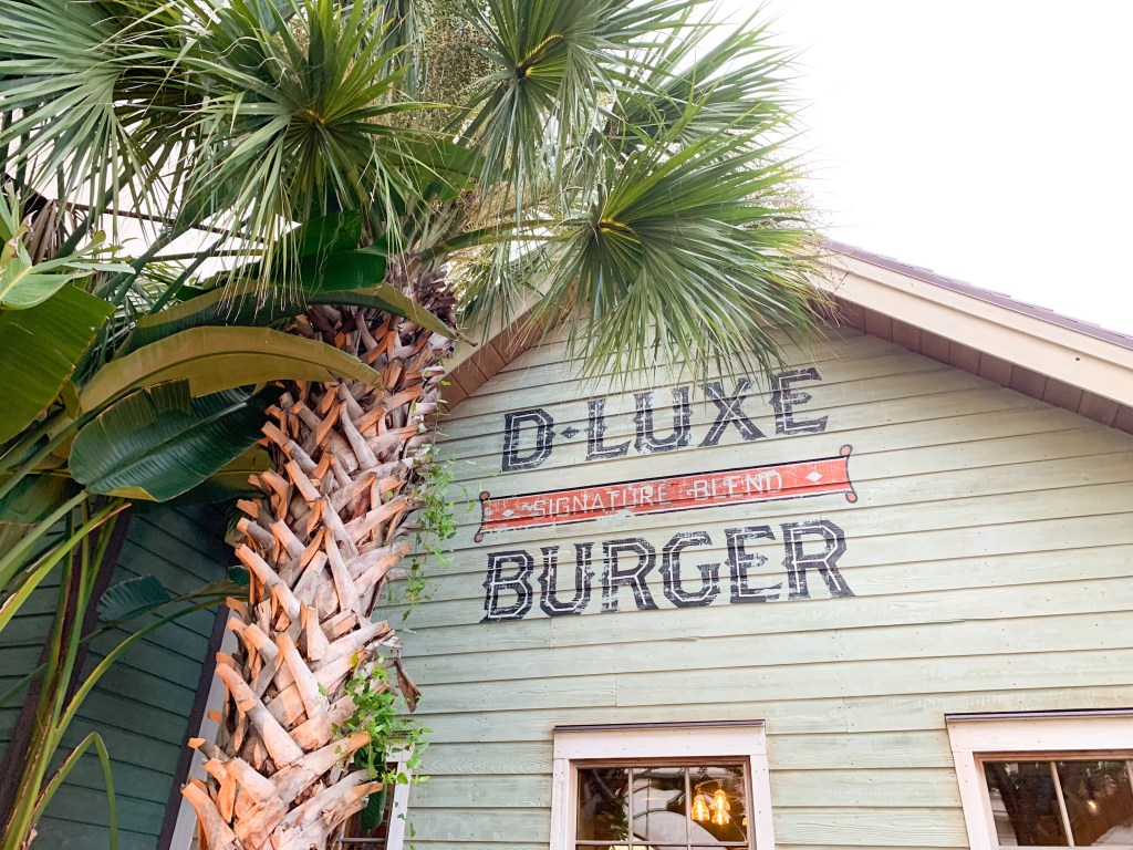 D-luxe burger in Disney Springs
