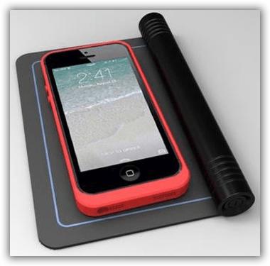 CES2014KirkH&JiNPOFiFoldableMobileWirelessCharger