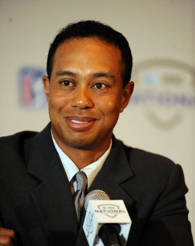 1024px-Tiger_Woods_in_2009