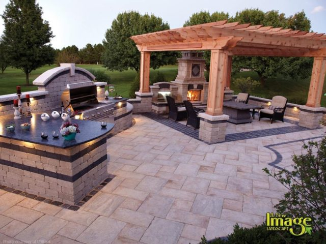 outdoor living spaces: outdoor kitchens, fireplaces & ovens