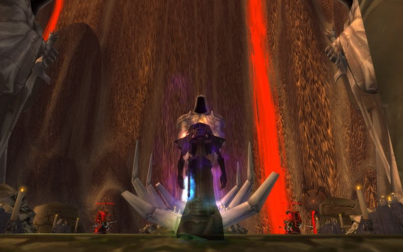 shadow priest contemplating cultist statues