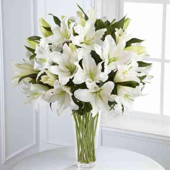Букет Белые Лилии