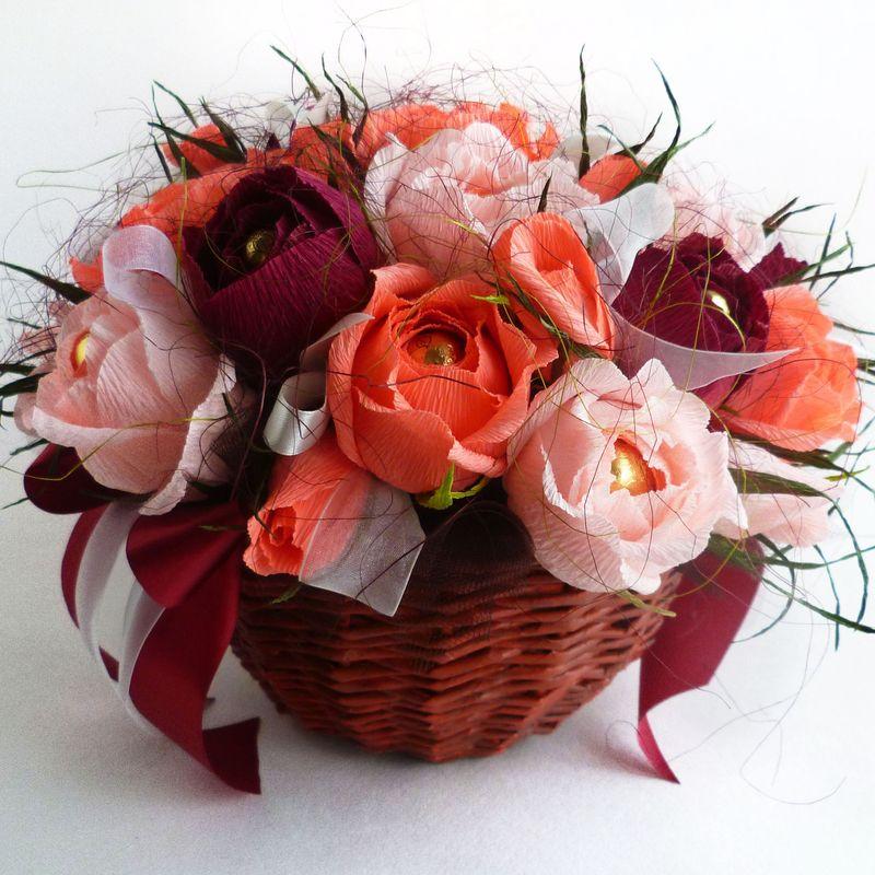 Купить корзину цветов из бумаги с конфетами, доставка