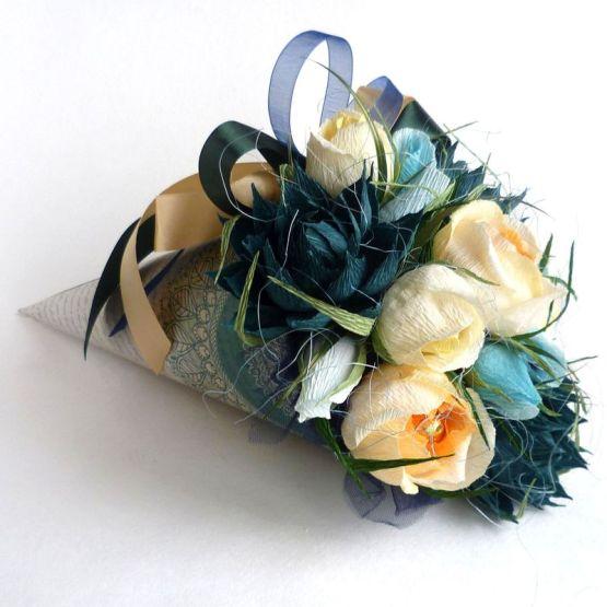 Букет из конфет: Сладкий комплимент (бумажном конусе)