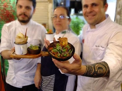 A equipe da cozinha da Santa-Feira de 14 de setembro, no Santo Mimo ®SKLindemann