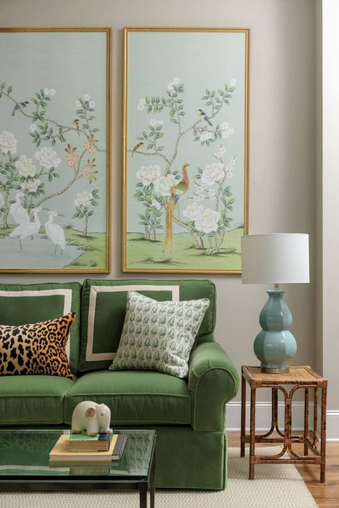 Living room with chinoiserie panels