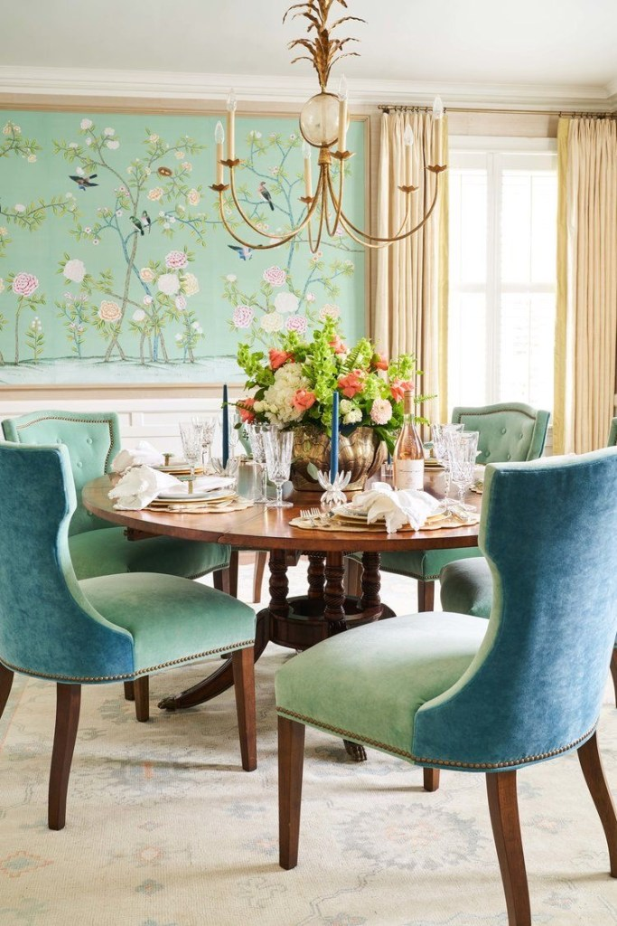 Dining room with chinoiserie wallpaper panels