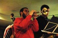 El trompetista Ion Celestino colaboró con el quinteto.