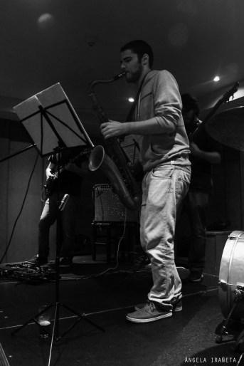 El bar Garazi es un local de la Calle Calderería de Pamplona en el que se toca música en directo. El cuarteto The Fool on the Hill estuvo allí el 4 de noviembre de 2014.