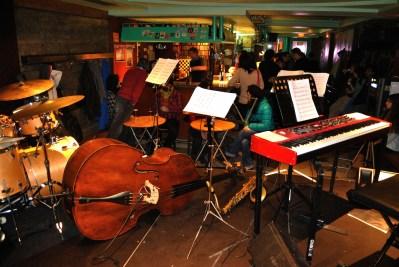 El 4 de marzo de 2014 el quinteto de jazz Alberto Arteta Group se dejó caer por el Garazi para tocar los temas que integrarían su disco Bat, que grabaron la semana siguiente al concierto.