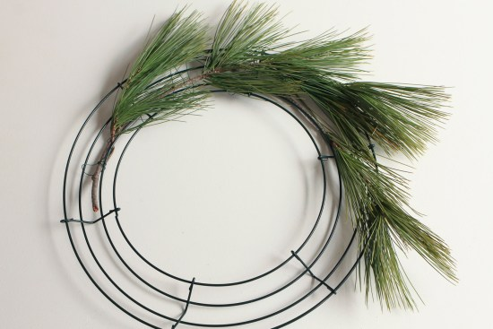 DIY rustic Christmas Wreath tutorial