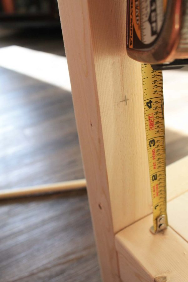Measuring drill spot for dowel rods