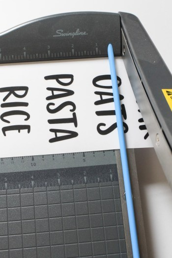 How to make pantry label stickers