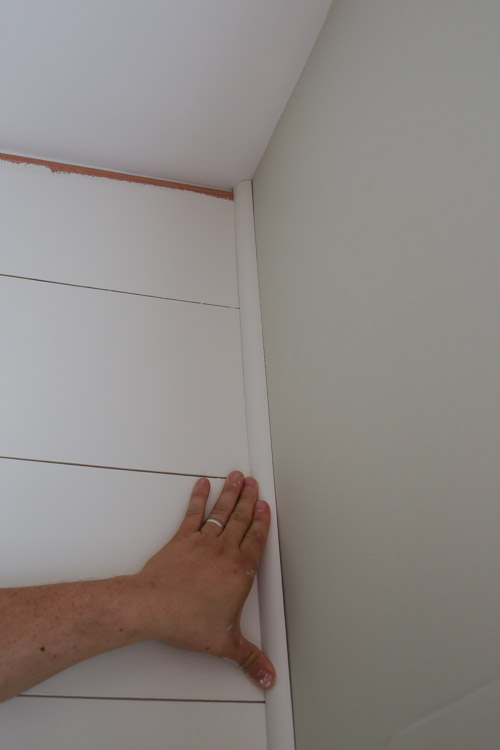 How To Caulk Walls For Painting