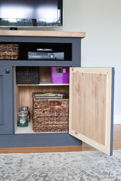 Delicieux DIY TV Stand With Cabinet Door Opened Showing Storage