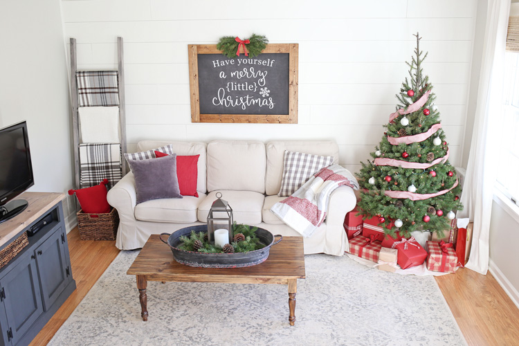 Rustic Christmas Living Room Decor. And Here Is A Final Aerial View Of The  Room: