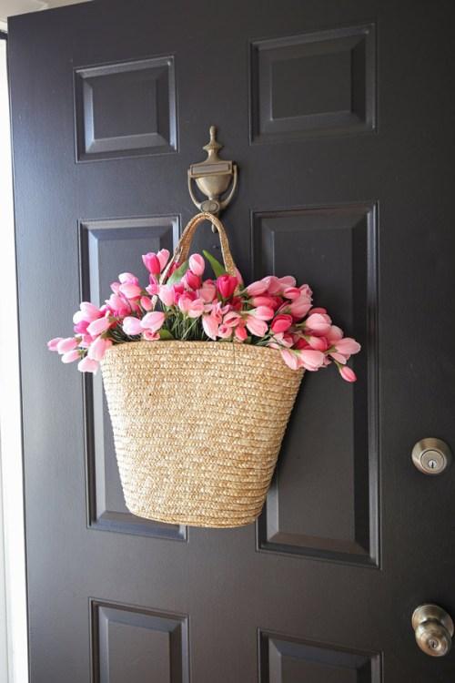 tulip wreath DIY side angle