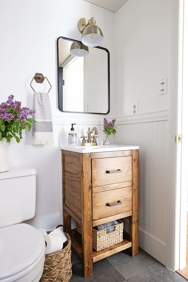 Small bathroom makeover with rustic and classic style