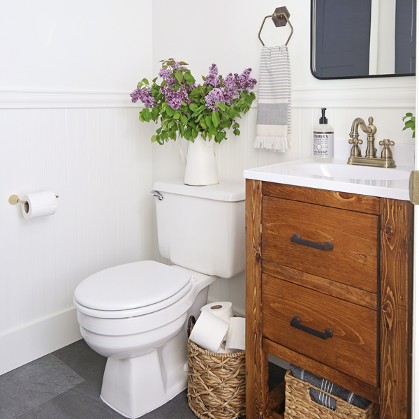 Before And After Bathroom Makeovers On A Budget: Small Bathroom Makeover On A Budget