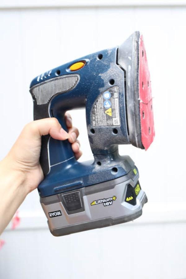 Small corner sander used for sanding in tight corners