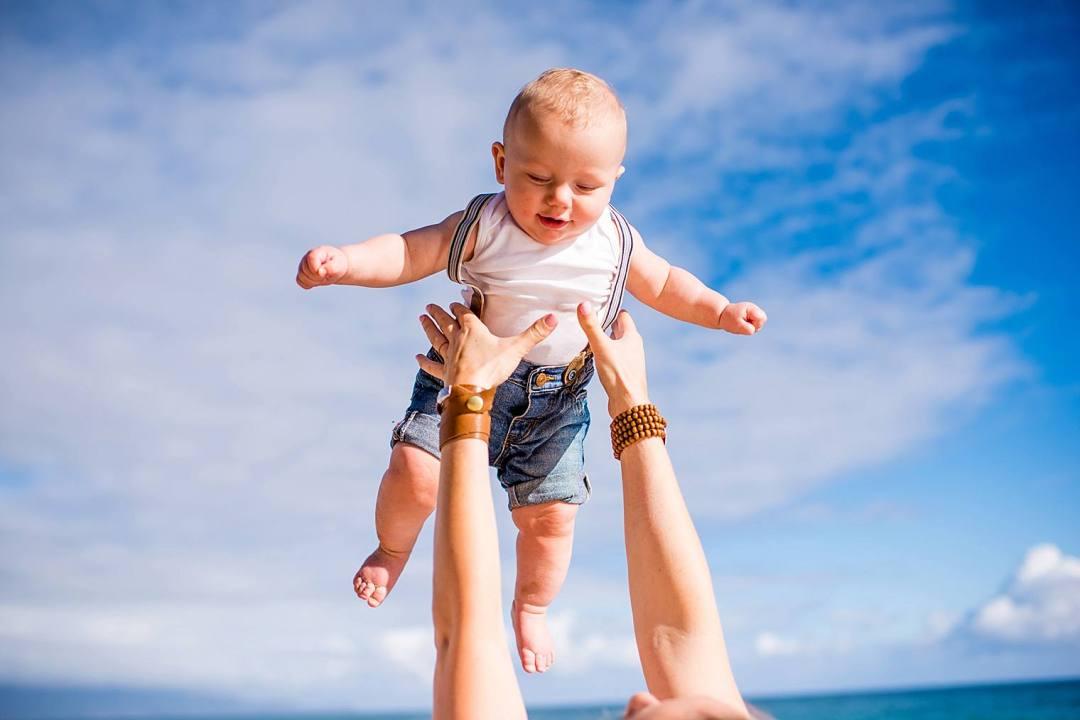 Maui family photographer on the beach_0012