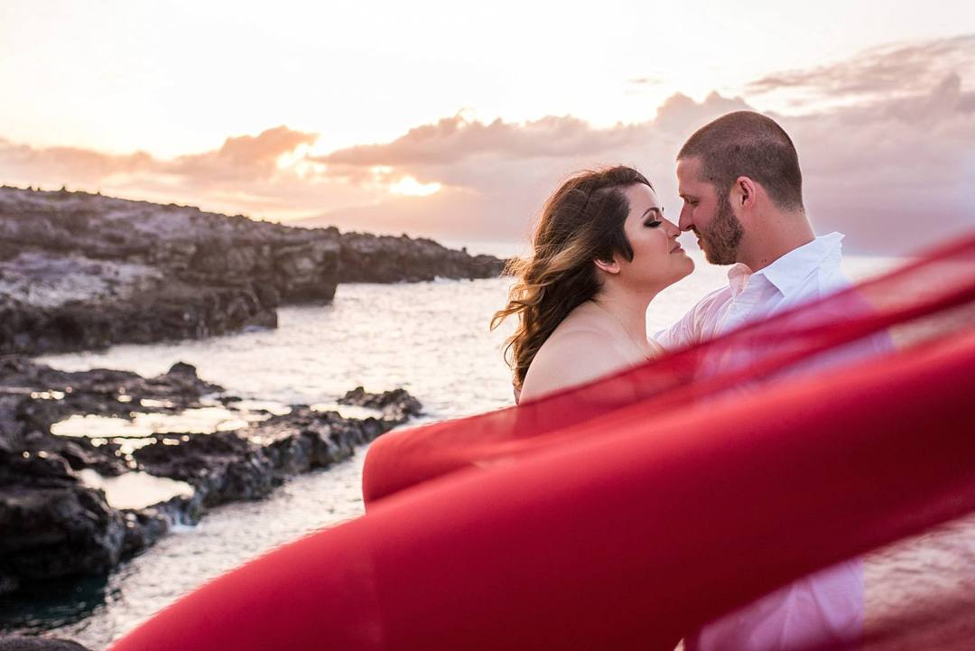 Gorgeous Anniversary Photos in Maui, Hawaii_0012